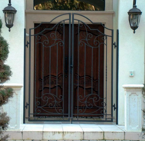 Exceptional ... Custom House Gate (#WG 25) ...