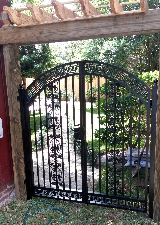 Custom Aluminum Asian Style Walk Gate With Locinox Latch
